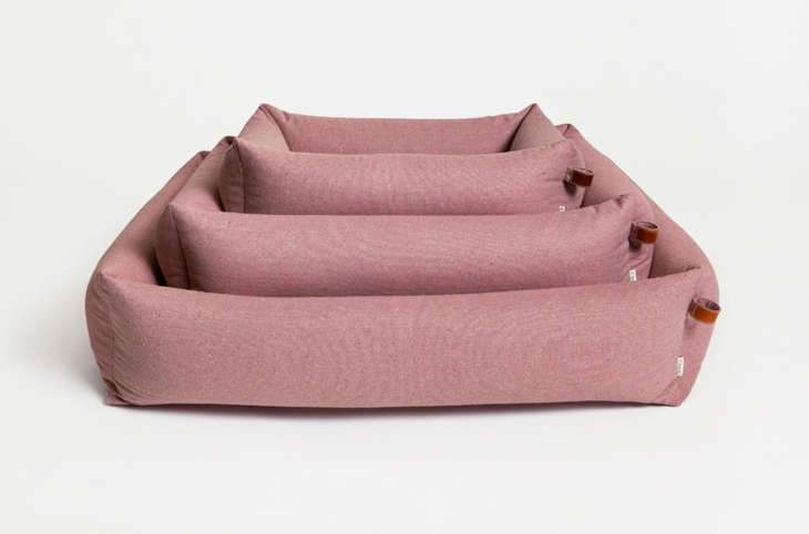 vintage-dusty-rose-dog-bed-cloud7-valentines-gifts-dogs-luxury-presents