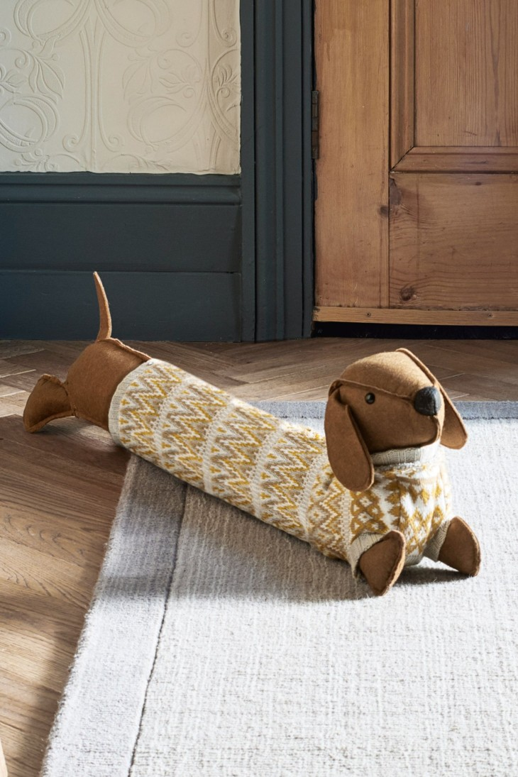 dog-shaped-dachshund-draught-excluder-best-christmas-resents-for-dog-lovers-gift-guide